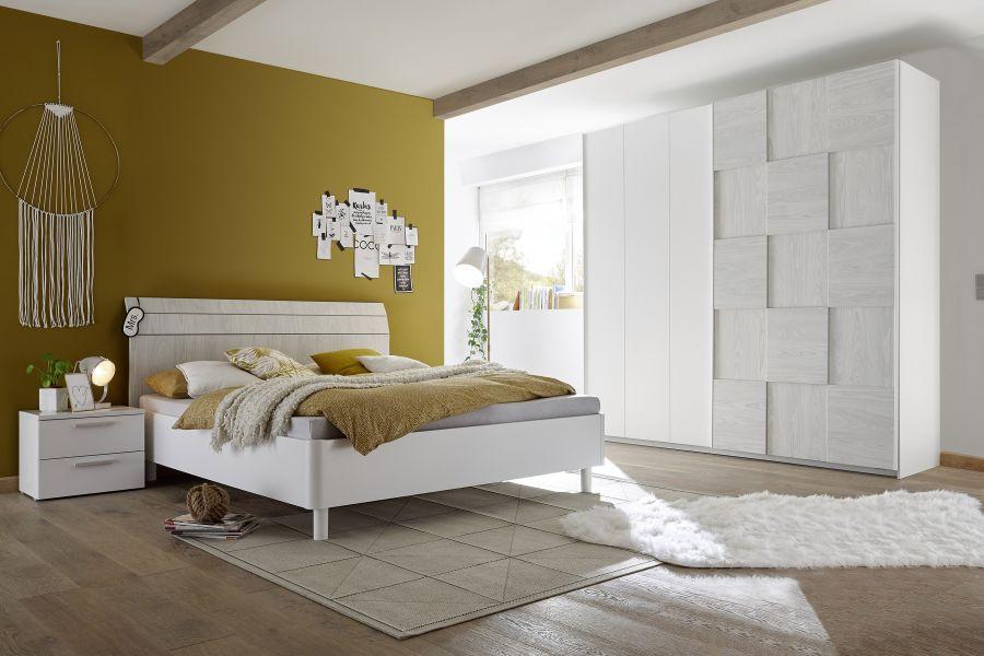 Camera matrimoniale con armadio scorrevole, letto e coppia comodini bianco e rovere grigio